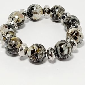 Fine jewerly, crystal beads bracelet.
